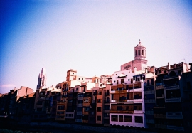 Riu Onyar houses and Girona Cathedral